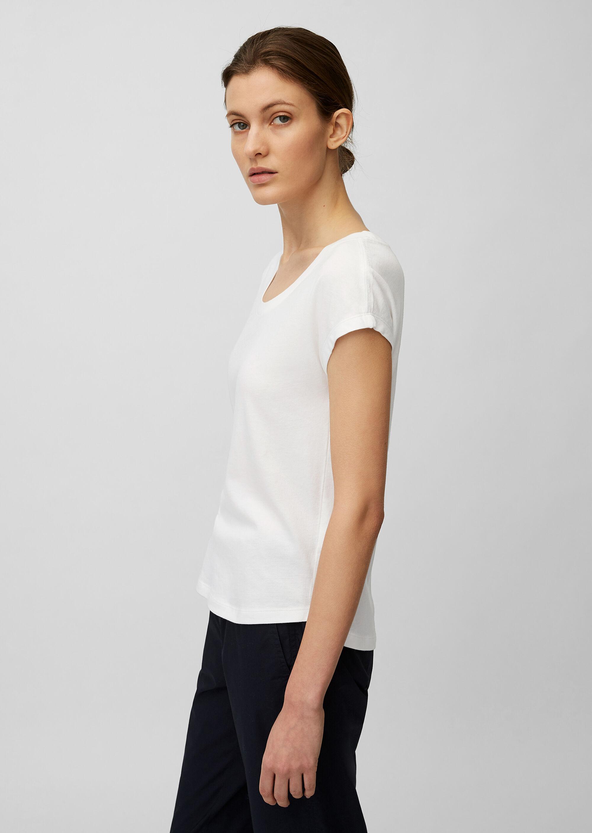 Basic T-Shirt mit Rundhals-Ausschnitt