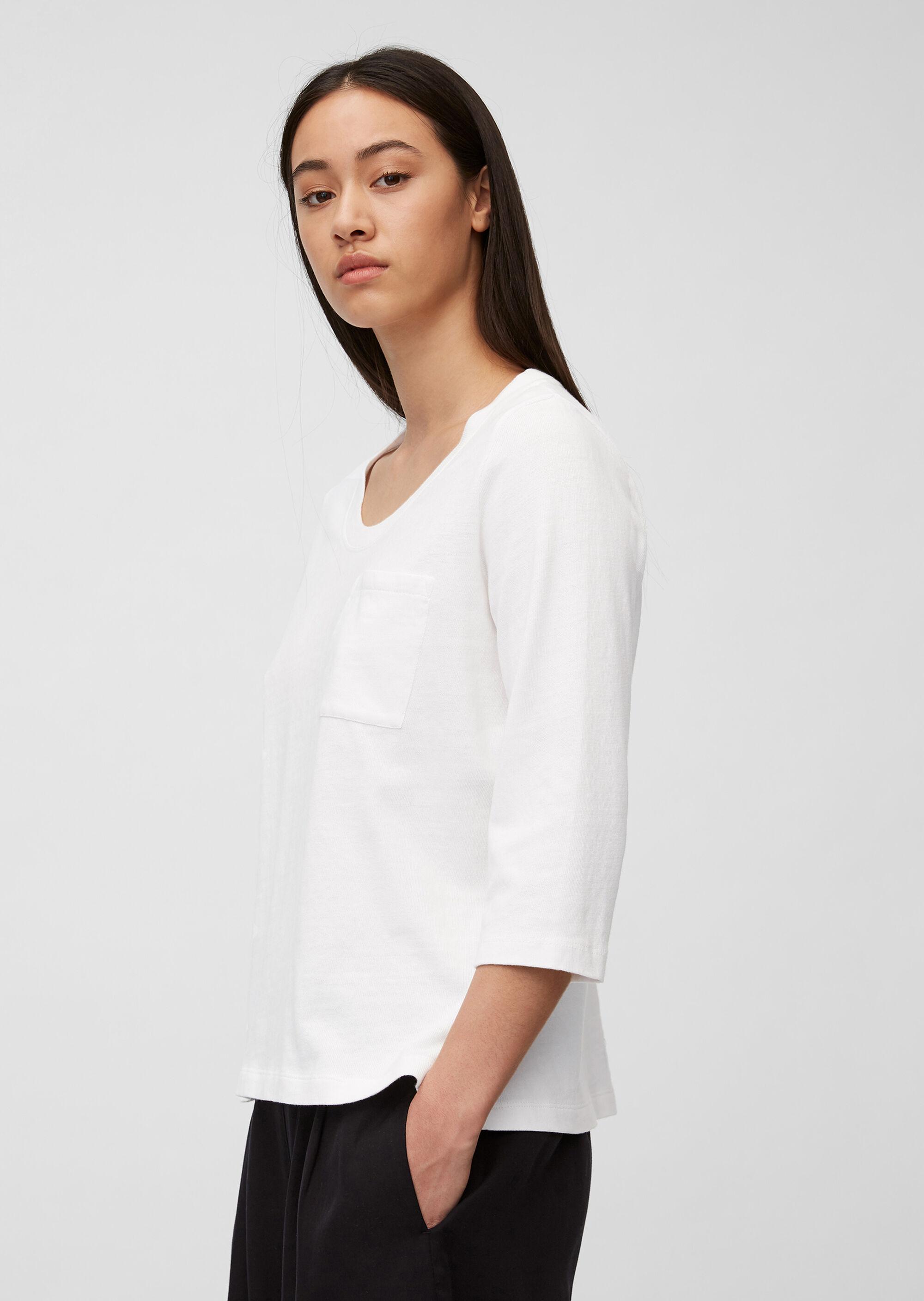 T-Shirt aus Organic Cotton mit Tasche