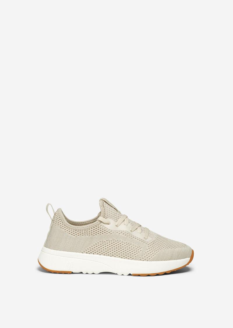 Sneaker aus Mesh-Gewebe