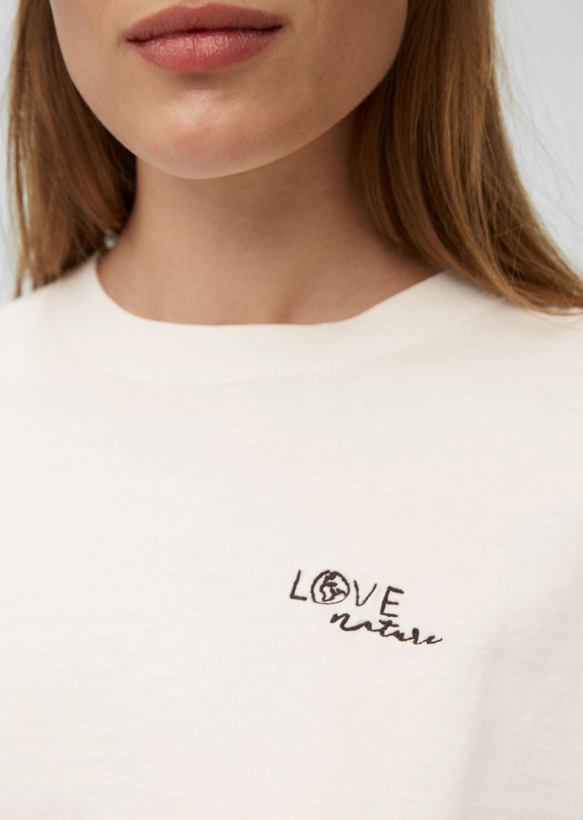 Kurzes T-Shirt mit Stickerei