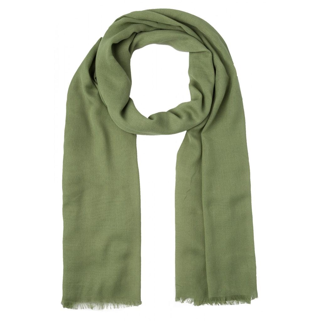 leichter Schal mit Fransen